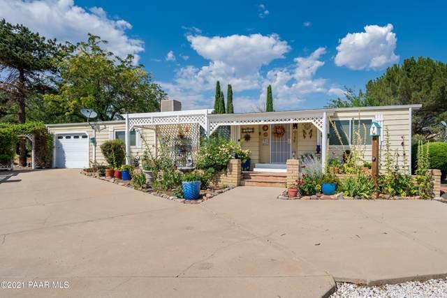 10454 Manzanita Trail, Dewey-Humboldt, AZ 86327 (#1040162) :: Shelly Watne