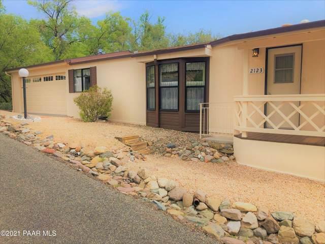 2123 E Glenmar Drive, Prescott, AZ 86301 (#1040396) :: Shelly Watne