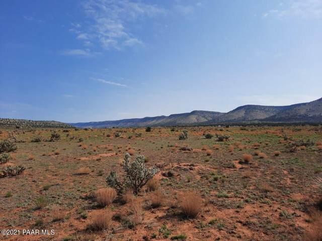 28030 W Hillcrest Drive, Seligman, AZ 86337 (#1040623) :: Shelly Watne