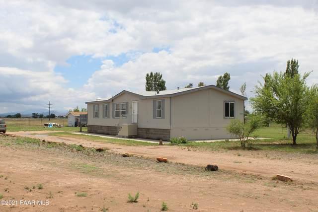 25915 N Lola Lane, Paulden, AZ 86334 (#1040711) :: Shelly Watne