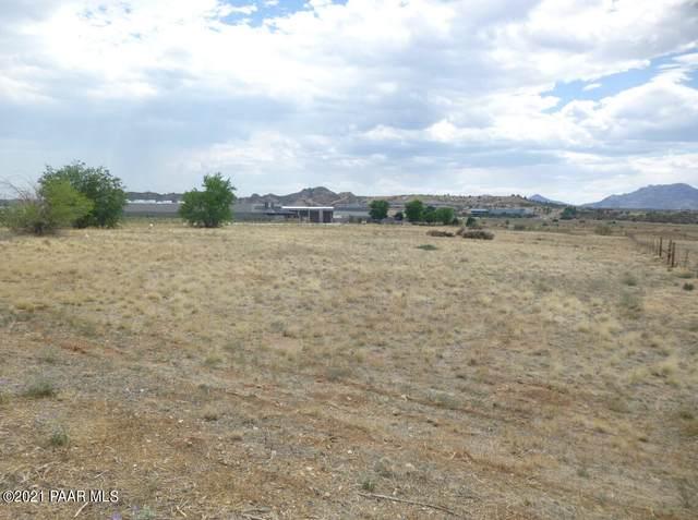 3010 Centerpointe East Drive, Prescott, AZ 86301 (#1041840) :: Shelly Watne