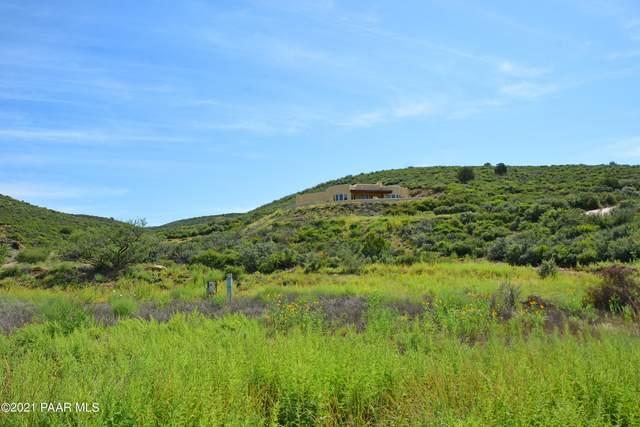 851 S Apache Knolls Trail, Dewey-Humboldt, AZ 86327 (#1041902) :: Shelly Watne