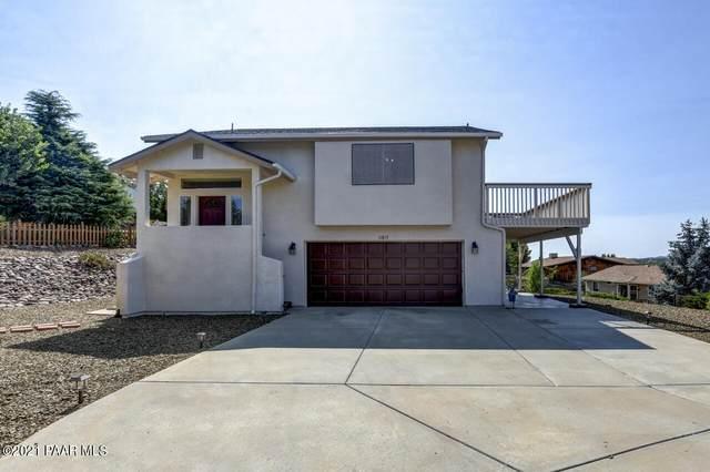 11815 E Stirrup High Drive, Dewey-Humboldt, AZ 86327 (#1041924) :: Shelly Watne