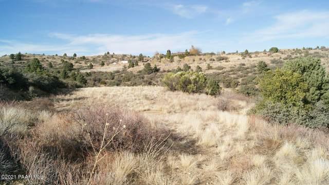 16776 W Trap Road, Peeples Valley, AZ 86332 (#1042043) :: Shelly Watne