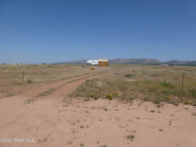 3052 W Sandstone Drive, Paulden, AZ 86334 (MLS #1042060) :: Conway Real Estate