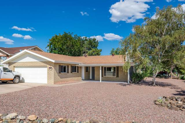 10914 E Buckboard Trail, Dewey-Humboldt, AZ 86327 (#1042077) :: Shelly Watne