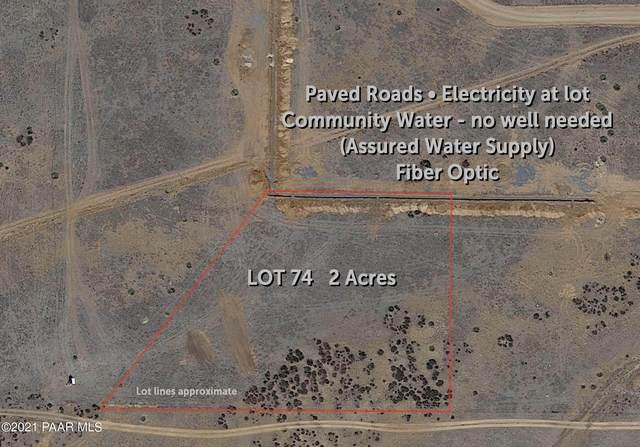 9051 N Desert Winds Way, Prescott Valley, AZ 86315 (#1042203) :: Shelly Watne