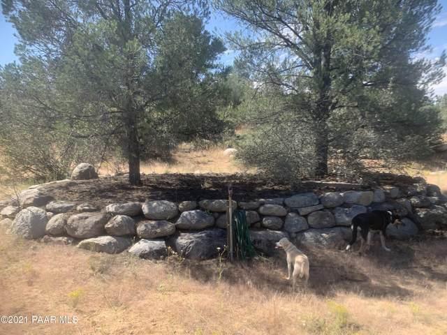 17690 W Buckhorn Drive, Peeples Valley, AZ 86332 (#1042323) :: Shelly Watne