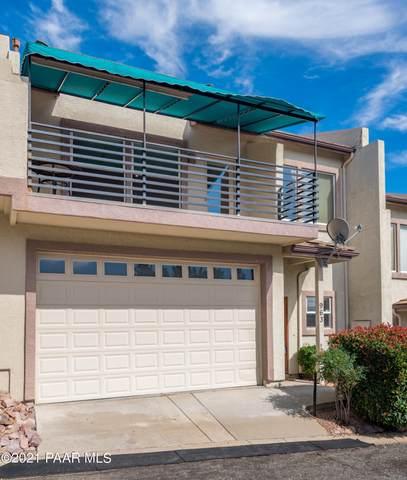 963 N Rolling Green Road, Dewey-Humboldt, AZ 86327 (#1042577) :: Shelly Watne