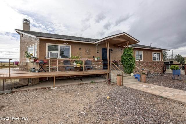 3040 W Russland Road, Chino Valley, AZ 86323 (MLS #1042710) :: Conway Real Estate