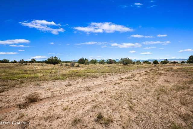 00 N Headwaters Road, Paulden, AZ 86334 (MLS #1042716) :: Conway Real Estate