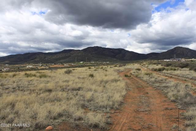 9 Tbd 18 E Wolf (18.01) Road, Dewey-Humboldt, AZ 86327 (#1042750) :: Shelly Watne