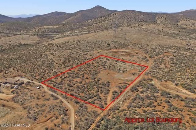 17301 E Cardinal Lane, Dewey-Humboldt, AZ 86327 (#1042845) :: Shelly Watne