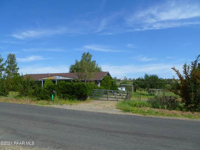 9230 E Smoki Trail, Dewey-Humboldt, AZ 86327 (#1043114) :: Shelly Watne