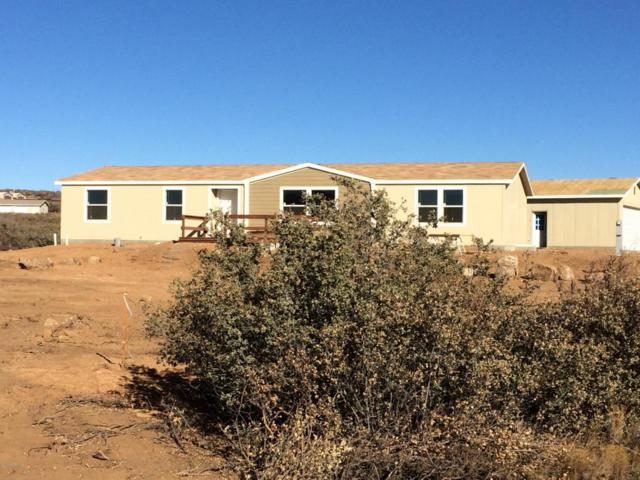 420 E Montana Valley Road, Dewey-Humboldt, AZ 86327 (#1006935) :: The Kingsbury Group