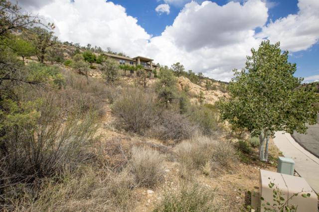 3076 La Questa, Prescott, AZ 86305 (#1007464) :: The Kingsbury Group