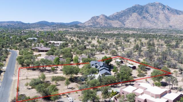 8735 N Oak Forest Drive, Prescott, AZ 86305 (#1012617) :: HYLAND/SCHNEIDER TEAM