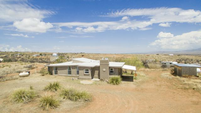 9490 E Newtown Avenue, Dewey-Humboldt, AZ 86327 (#1013994) :: The Kingsbury Group