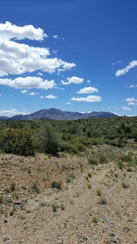 0000 W Dos Arroyos Road, Prescott, AZ 86305 (#1015390) :: HYLAND/SCHNEIDER TEAM