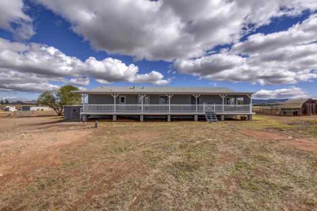9200 E Lonesome Valley Road, Prescott Valley, AZ 86315 (#1016168) :: HYLAND/SCHNEIDER TEAM