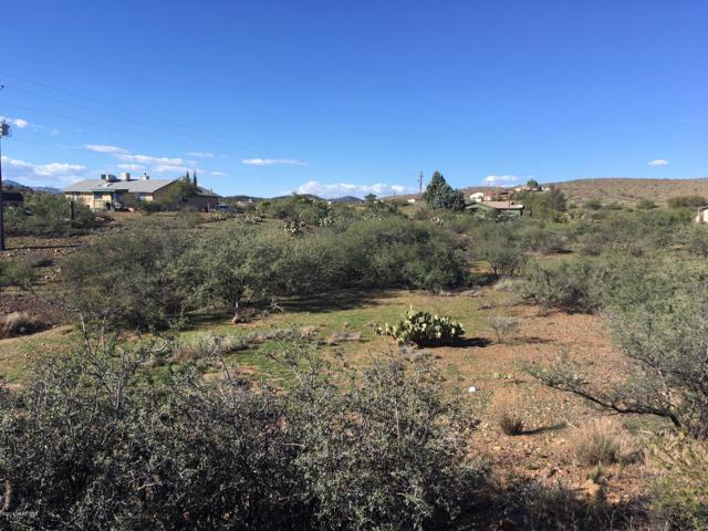 17020 Gambol Circle, Mayer, AZ 86333 (#1016394) :: The Kingsbury Group
