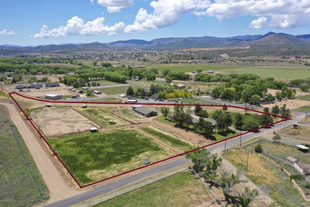 13550 E Quarterhorse Lane, Dewey-Humboldt, AZ 86327 (#1017314) :: HYLAND/SCHNEIDER TEAM