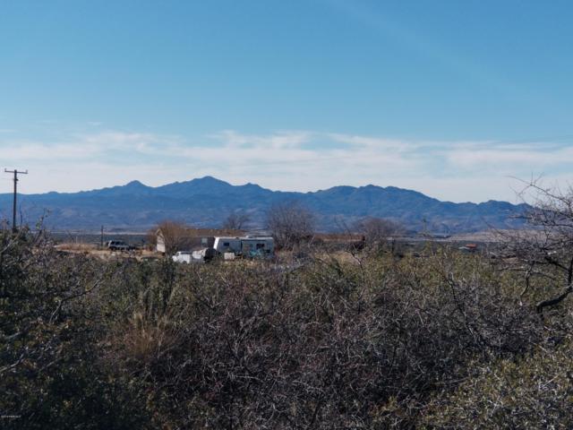 8710 S Highway 89, Wilhoit, AZ 86332 (#1017649) :: HYLAND/SCHNEIDER TEAM