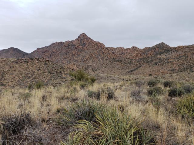 0 N Kirkland Peak Road, Kirkland, AZ 86332 (#1017885) :: HYLAND/SCHNEIDER TEAM