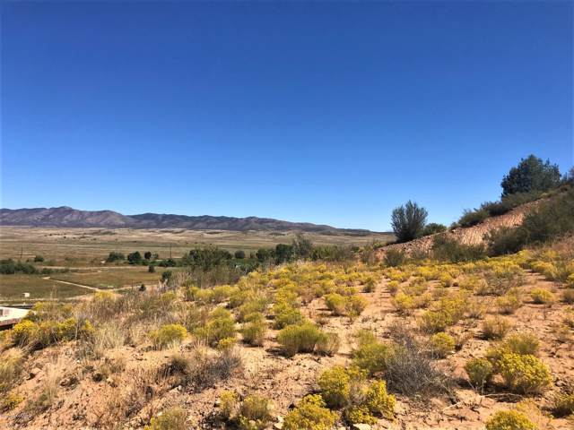 11911 E Arabian Lane, Dewey-Humboldt, AZ 86327 (#1023862) :: HYLAND/SCHNEIDER TEAM