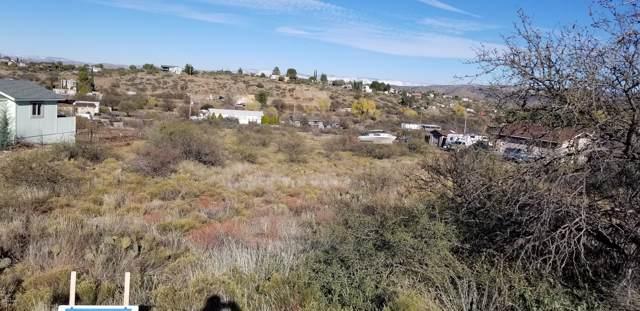 20420 E Foothill Drive, Mayer, AZ 86333 (#1026011) :: HYLAND/SCHNEIDER TEAM