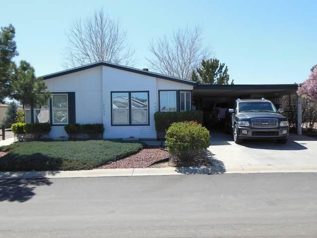 12055 E Pepper Tree Way, Prescott Valley, AZ 86315 (#1028838) :: HYLAND/SCHNEIDER TEAM