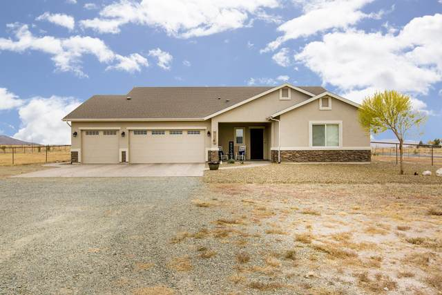 9255 E Dutchmans Cove, Prescott Valley, AZ 86315 (#1034164) :: Shelly Watne