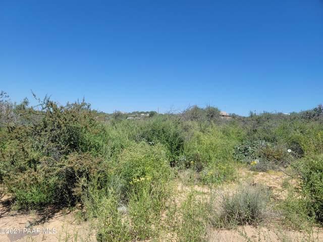 9315 S Donald Trail, Kirkland, AZ 86332 (#1037662) :: Shelly Watne