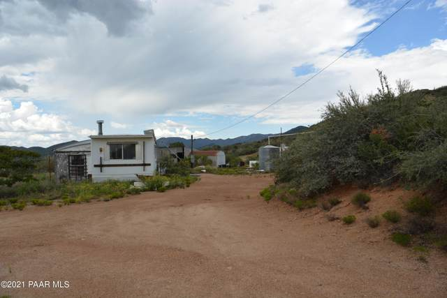 7810 S Chester Drive, Kirkland, AZ 86332 (#1041485) :: Shelly Watne