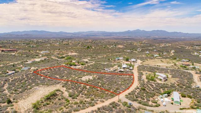 7645 W Lowell Drive, Kirkland, AZ 86332 (#1013811) :: HYLAND/SCHNEIDER TEAM