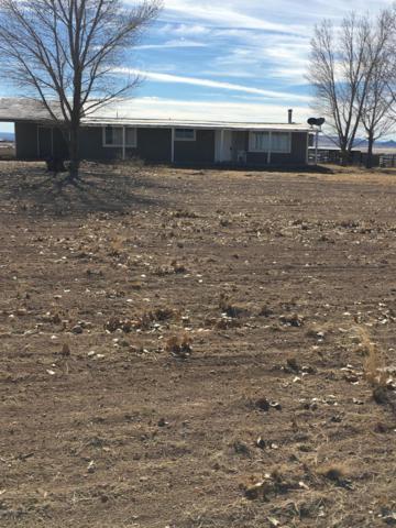8055 E Dog Ranch Road, Prescott Valley, AZ 86315 (#1017425) :: HYLAND/SCHNEIDER TEAM