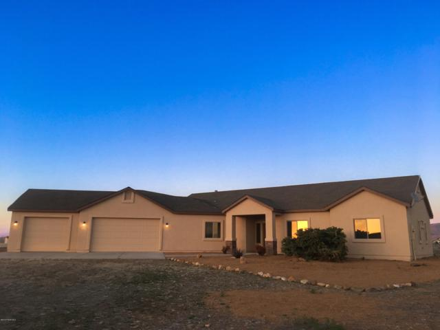 10455 N Nicholas Heights Drive, Prescott Valley, AZ 86315 (#1019445) :: HYLAND/SCHNEIDER TEAM
