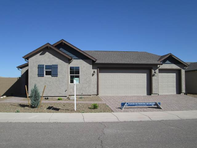 321 Laughing Hill Drive, Clarkdale, AZ 86324 (#1025706) :: Shelly Watne