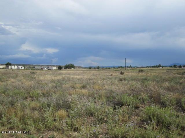 197 W Baja Road, Paulden, AZ 86334 (#1005336) :: The Kingsbury Group