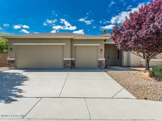 6635 E Brombil Street, Prescott Valley, AZ 86314 (#1005973) :: The Kingsbury Group