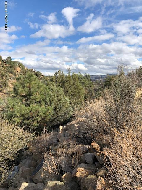 1318 Sierry Peaks Drive, Prescott, AZ 86305 (#1009754) :: HYLAND/SCHNEIDER TEAM