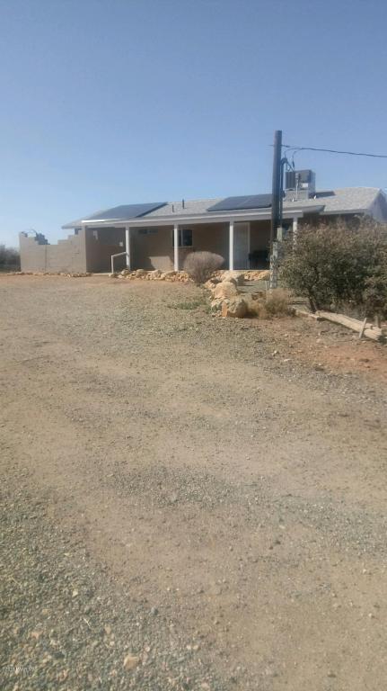 1100 N Musser Drive, Dewey-Humboldt, AZ 86327 (#1009831) :: The Kingsbury Group