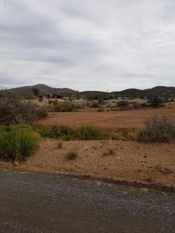 14327 E Lazy River Drive, Dewey-Humboldt, AZ 86327 (#1011819) :: The Kingsbury Group