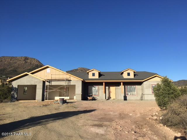9575 Sportsman Way, Prescott Valley, AZ 86315 (#1011852) :: HYLAND/SCHNEIDER TEAM