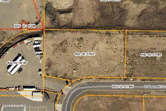 520 S Bennett Drive, Dewey-Humboldt, AZ 86327 (#1012381) :: The Kingsbury Group