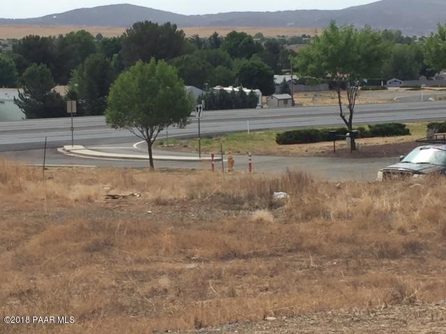 12065 E Hwy 69, Dewey-Humboldt, AZ 86327 (#1013756) :: HYLAND/SCHNEIDER TEAM