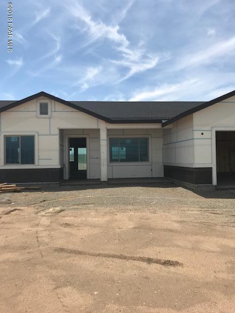 10470 Montana Way, Prescott Valley, AZ 86314 (#1014329) :: The Kingsbury Group