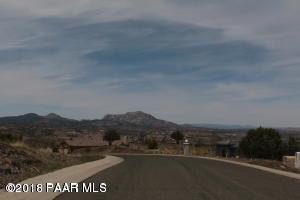 3305 Bar-Circle-A Road, Prescott, AZ 86301 (#1014418) :: HYLAND/SCHNEIDER TEAM
