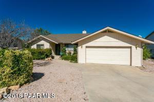 3221 Montana Drive, Prescott, AZ 86301 (#1015981) :: HYLAND/SCHNEIDER TEAM