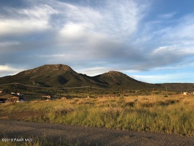 0 N Dakota Road, Prescott Valley, AZ 86315 (#1016110) :: HYLAND/SCHNEIDER TEAM